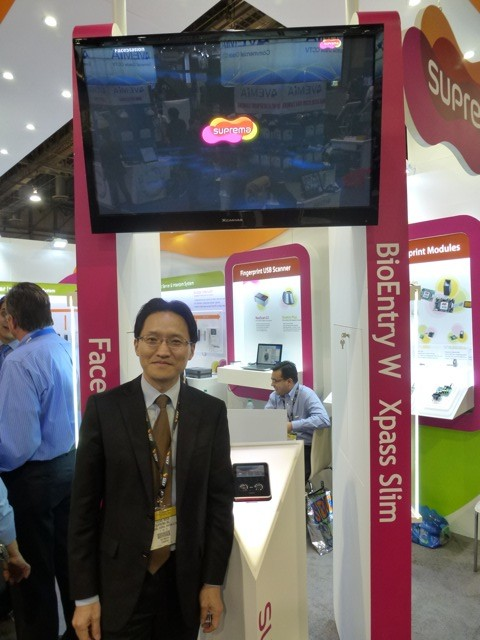 Young S Moon, VP Global Business Sector at Suprema demoing BioEntry W Xpass Slim, ISC West 2012